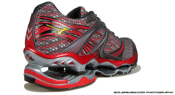mizuno wave prophecy 2 vs asics kinsei 4