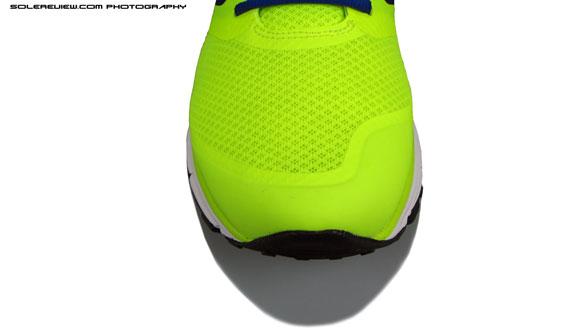 Nike_Zoom_Vomero_8_toe_bumper