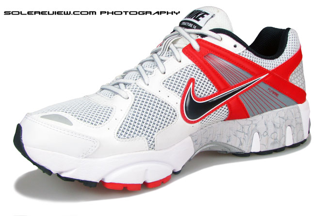 Nike_Structure_Triax_14