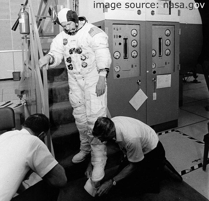 Apollo_11_boots