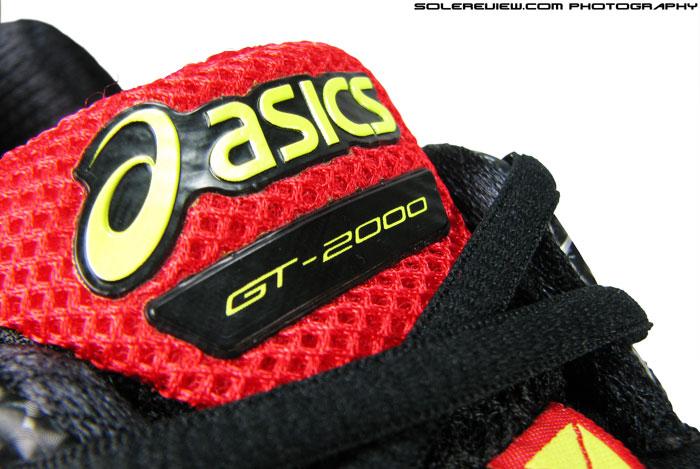 Asics_GT_2000_2