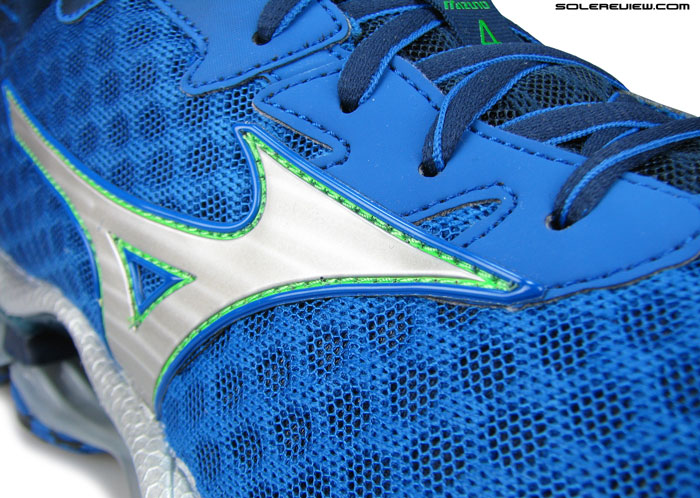 Mizuno_Wave_Prophecy_4
