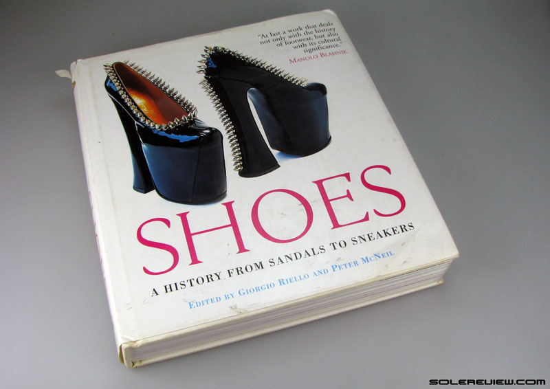Book_on_shoes