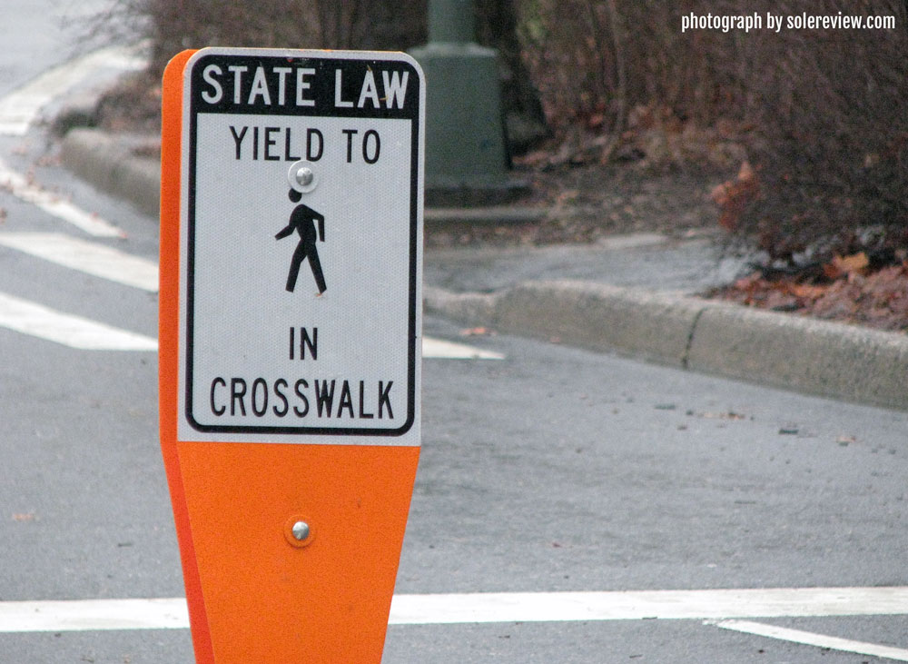 Crosswalk_traffic_sign