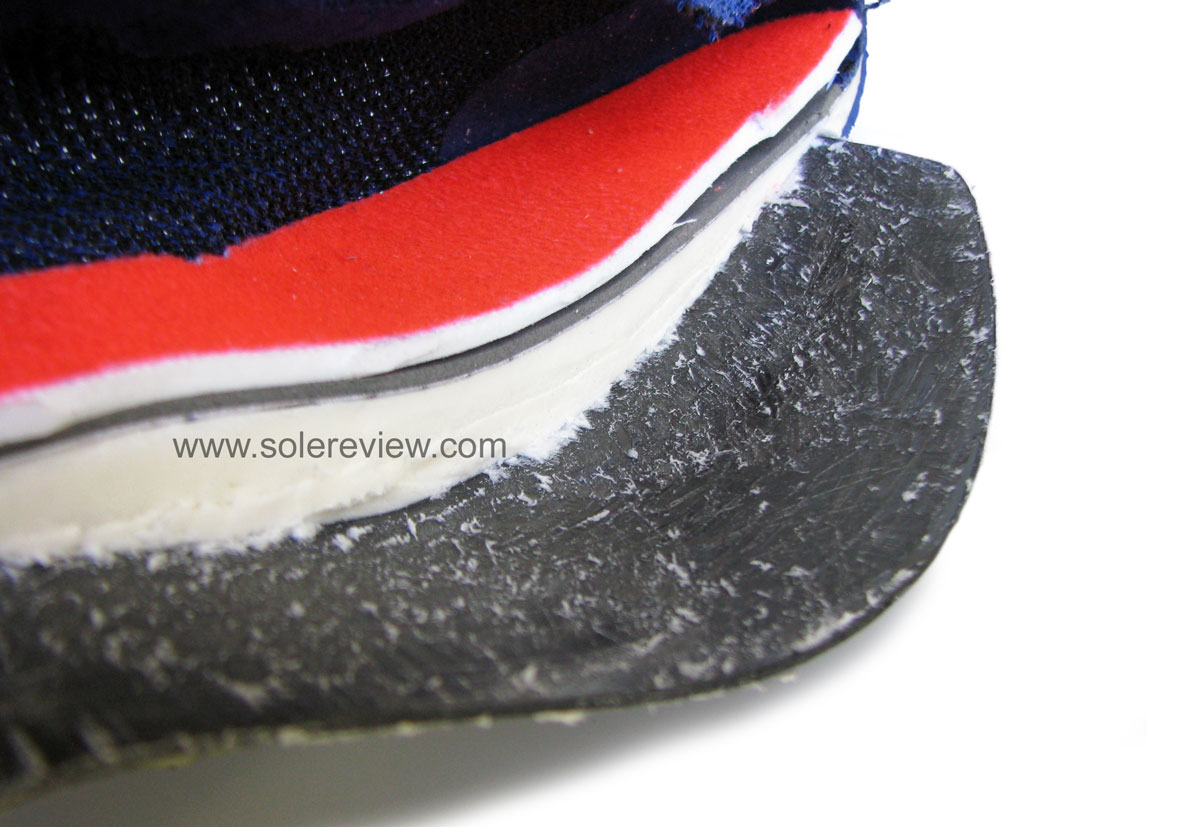 Nike_Vaporfly_4%_Flyknit_Carbon_plate_visible