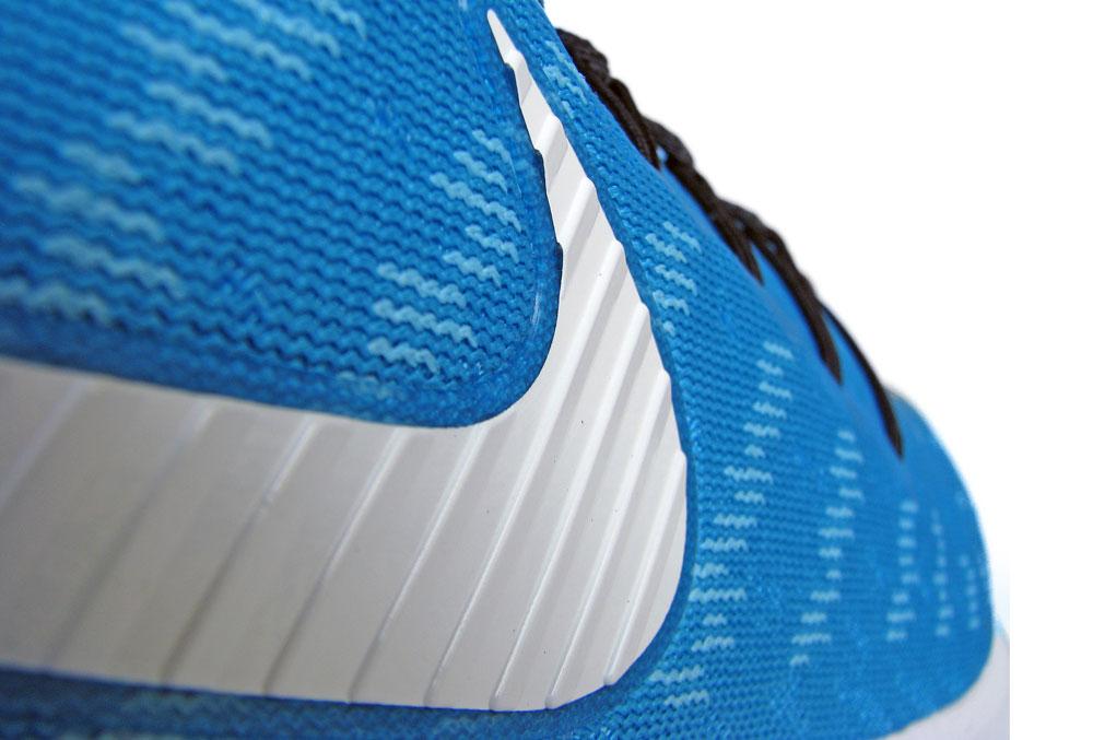 Nike_Vomero_14_swoosh