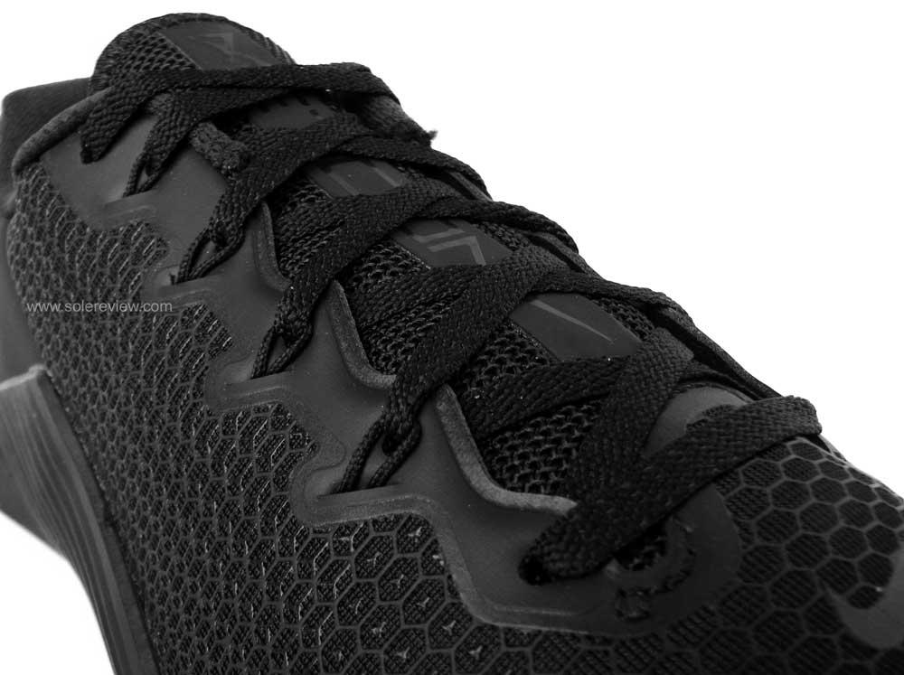 Nike_Metcon_5_laces
