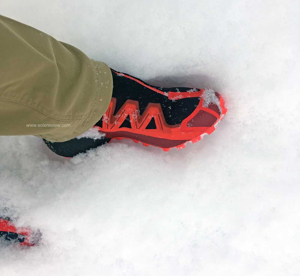 Salomon_Snowspike_in_snow