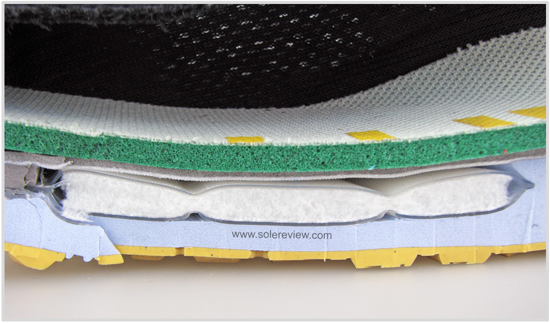 Nike_Pegasus_37_Zoom_bag_inside