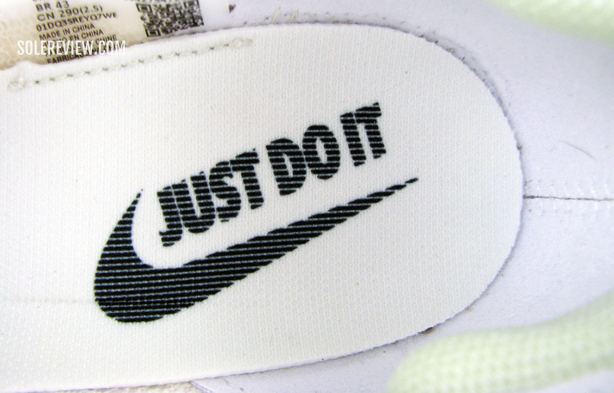 Nike_Alphafly_Next_glued_insole