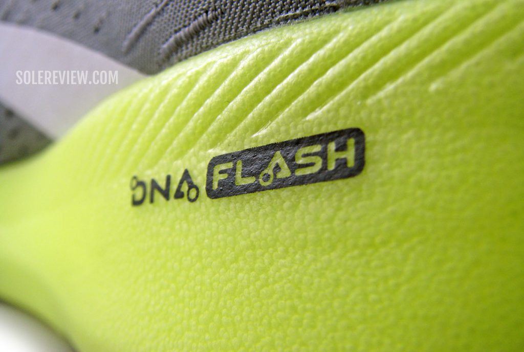DNA flash on the Brooks Hyperion Tempo