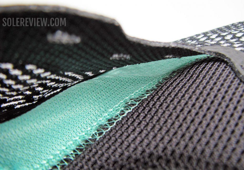 Nike ZoomX Invincible Run Flyknit inner sleeve