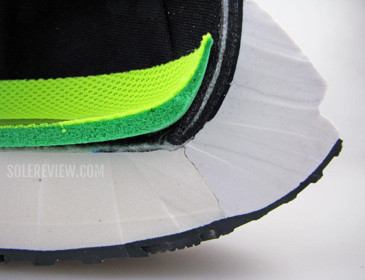 Межподошва и стелька Nike Vomero 15, разрезанные пополам
