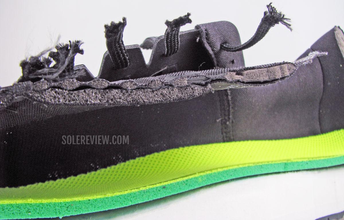Язычок Nike Vomero 15, разрезанный пополам